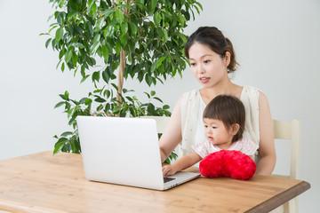 ママ起業 陥りやすい高額情報商材の実態と在宅で稼ぐポイント